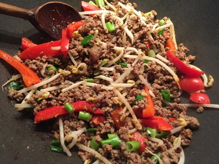 cooking,mince,meat,for,Thai,beef