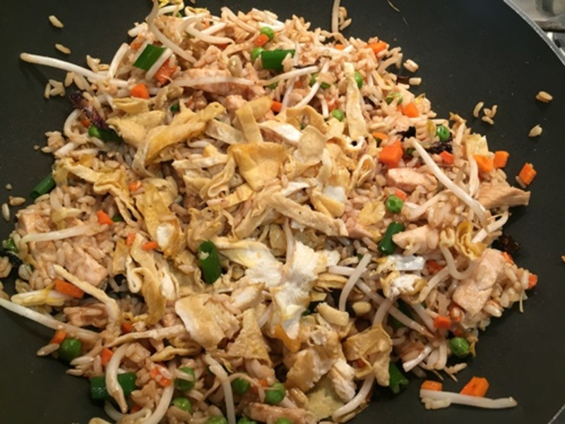adding,cooked,chicken,to,vegetables  - Easy Fried Rice with Egg, Chicken & Vegetables