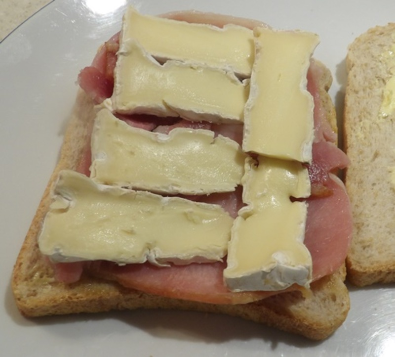 spreading,bread,with,butter,and,chutney