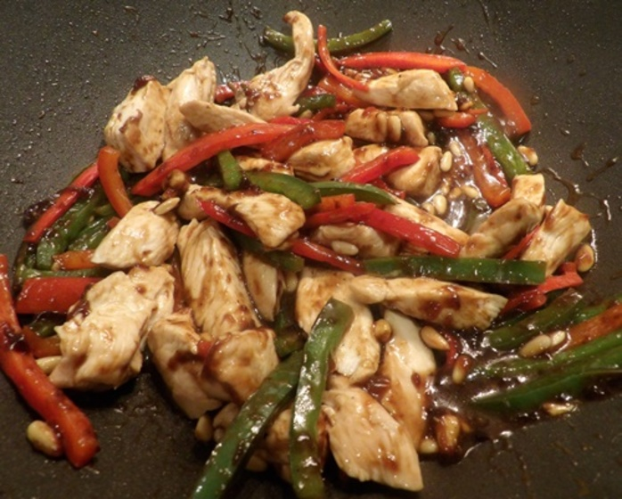 adding,chicken,back,to,wok