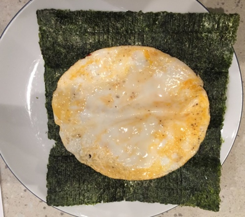 cooking,omelette  - Nori Bacon and Egg Roll Ups with Avocado