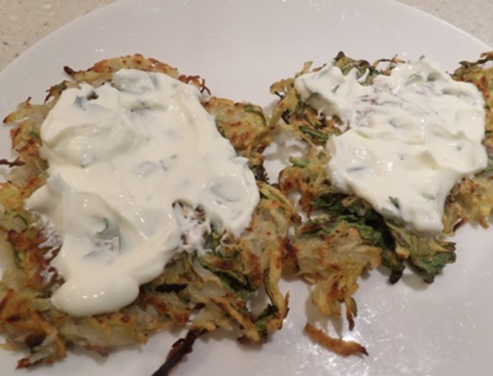 adding,the,yogurt,sauce,to,rosti