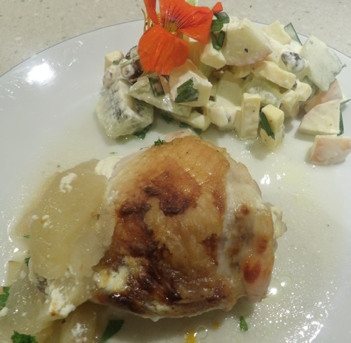 apple,chicken,with,pecan,and,apple,salad