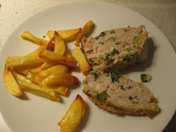 apricot,chicken,loaf,with,baked,chips