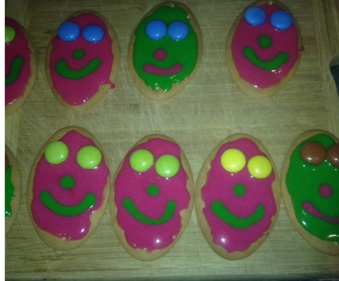 Finished smiley face biscuits