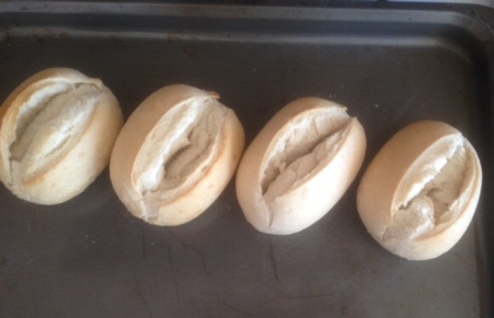 Cheeses Baked Bean Rolls