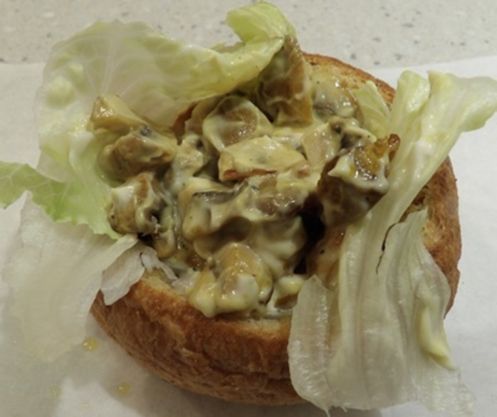 bread,baskets,with,curried,mushrooms,in,mayonnaise