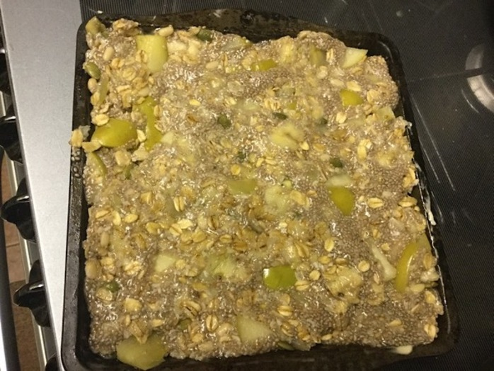 chia fruit squares, chia seeds, apple, banana, seeds, nuts, breakfast, mash