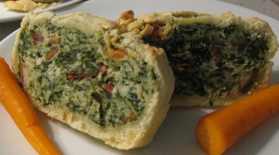 chicken,mince,and,spinach,loaf,encassed,in,pastry