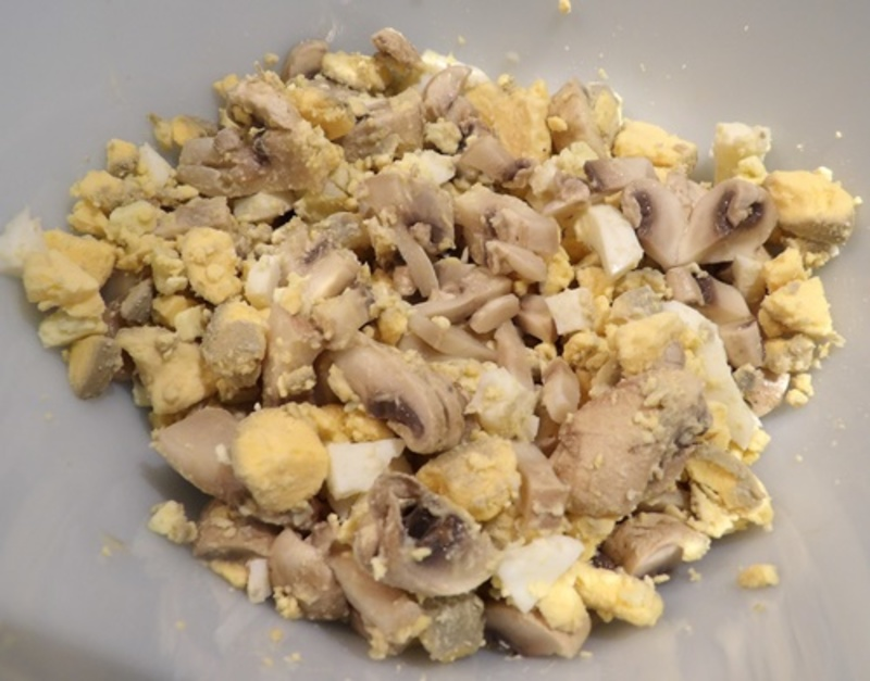 boiling,mushrooms,for,stuffed,eggs  - Stuffed Eggs with Mushrooms and Anchovies