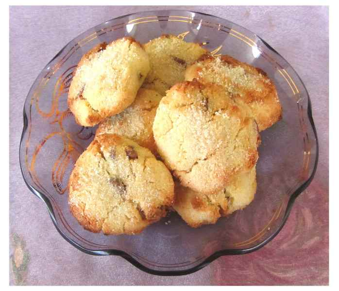 Coconut Flour and Chocolate Chip Cookies