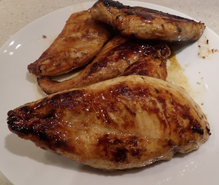 putting,chicken,breasts,in,maple,syrup,mixture
