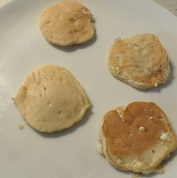 cooking,batter,for,pikelets