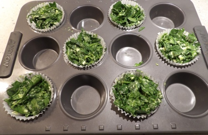 plated,spinach,muffin