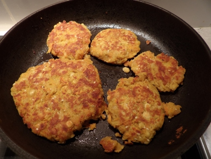 making,split,pea,burgers,ready,for,cooking