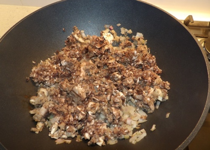 cooking,blended,mushrooms,and,onions