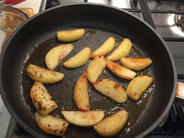 cooking,curried,apples