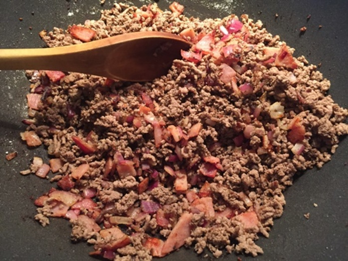 cooking,mince,onion,and,bacon