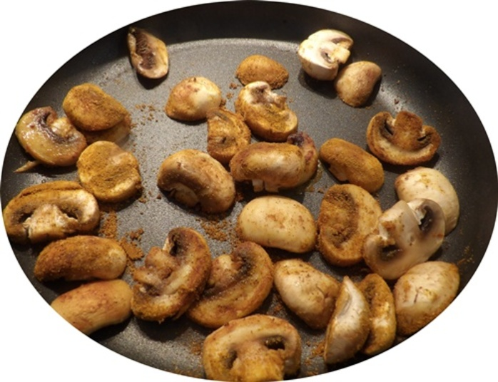 cooking,mushrooms,for,quiche