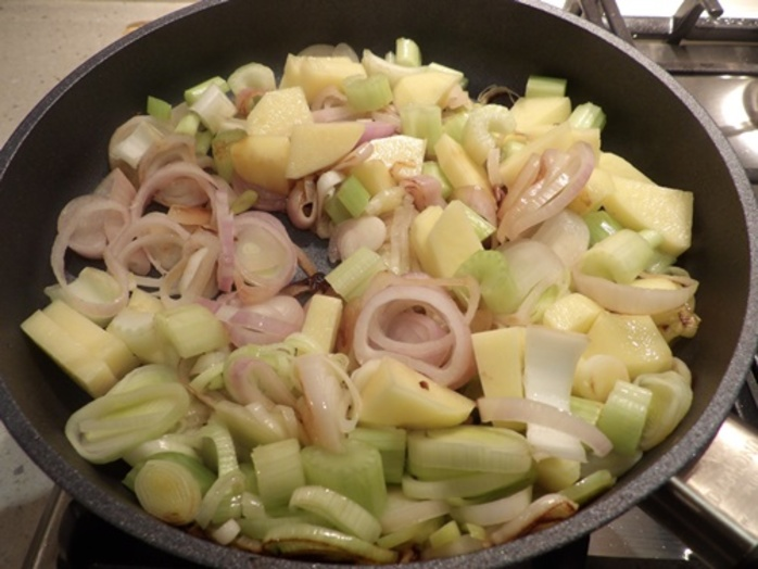 cooking,shallots,leeks,and,celery