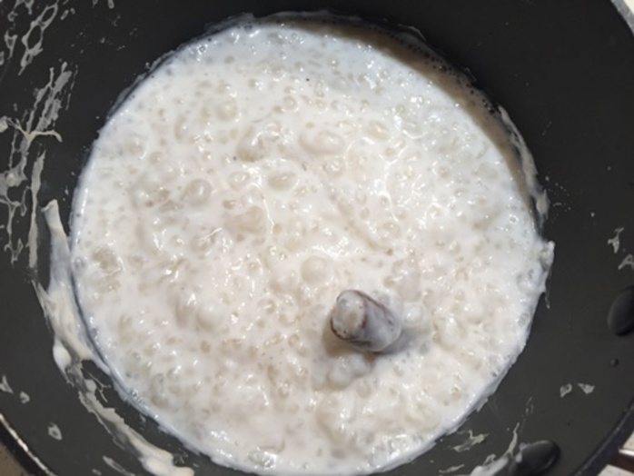 cooking,tapioca,with,cinnamon