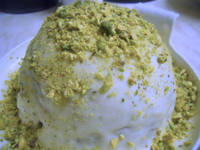courgette & lime cake, pistachios, buttercream