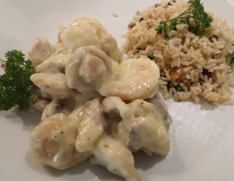 creamy,seafood,with,parsley,almond,rice