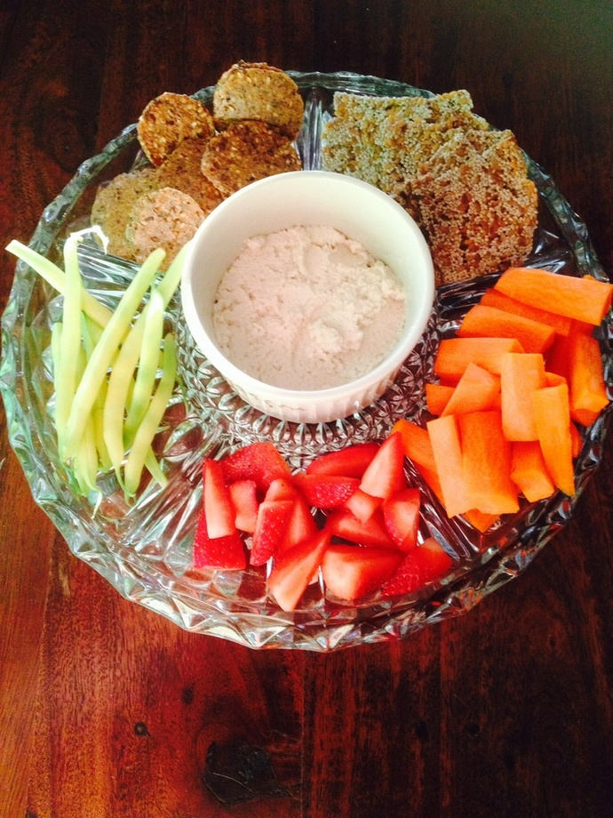 Crudités plate of vegetables and cashew cheese