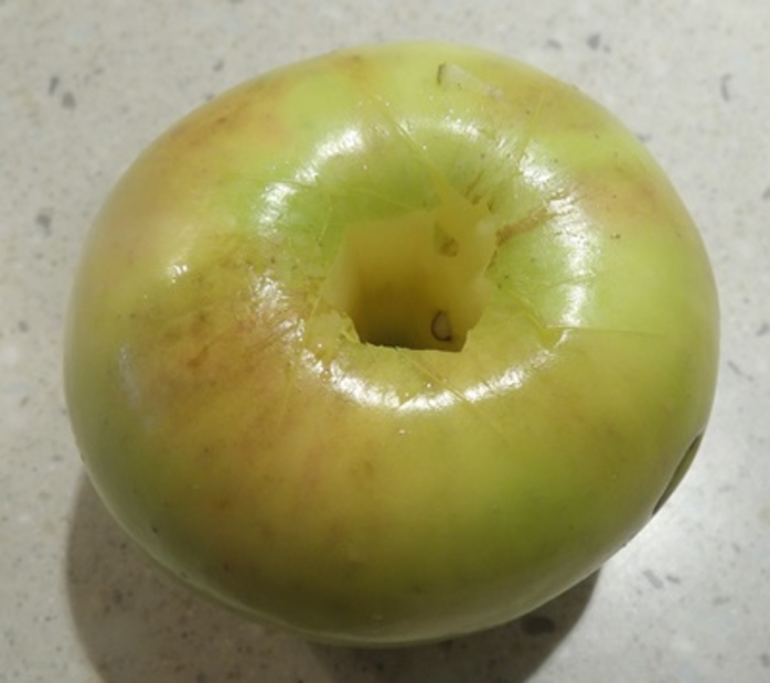 cutting,middle,out,of,apples