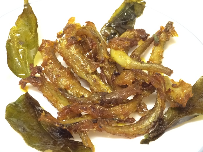 Easy pan-fried smelt fish