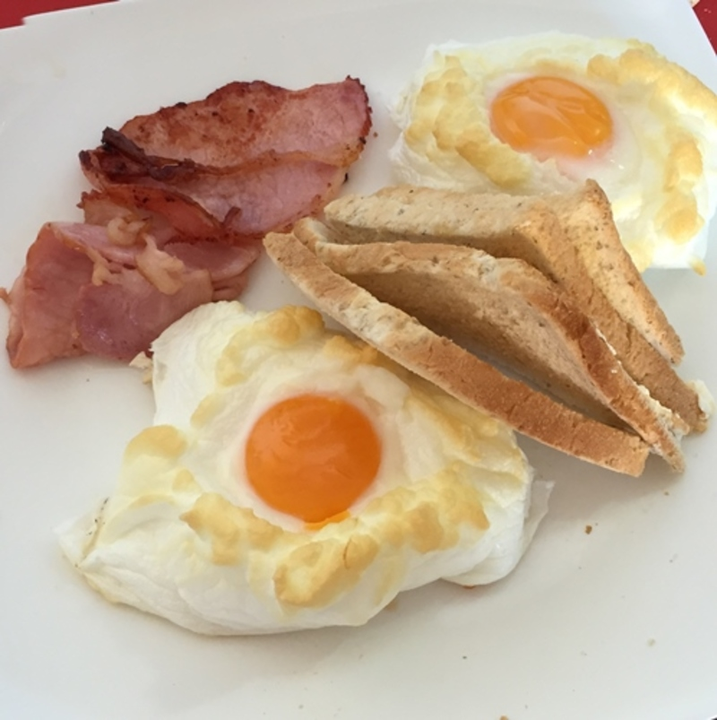 eggs,in,nests,served,with,bacon  - Eggs in White Nests
