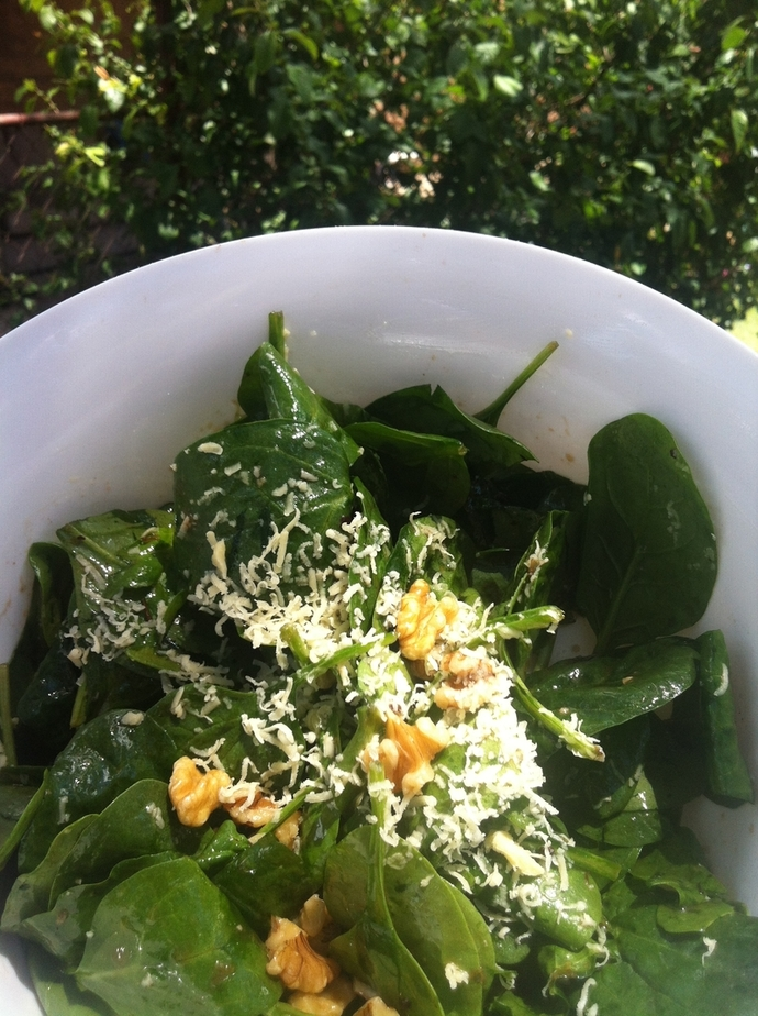 English Spinach Walnut Salad