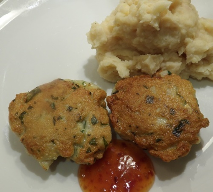 Fishcakes,with,prawns,and,fish