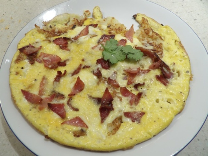 Hash,brown,omelette,with,bacon,and,cheese