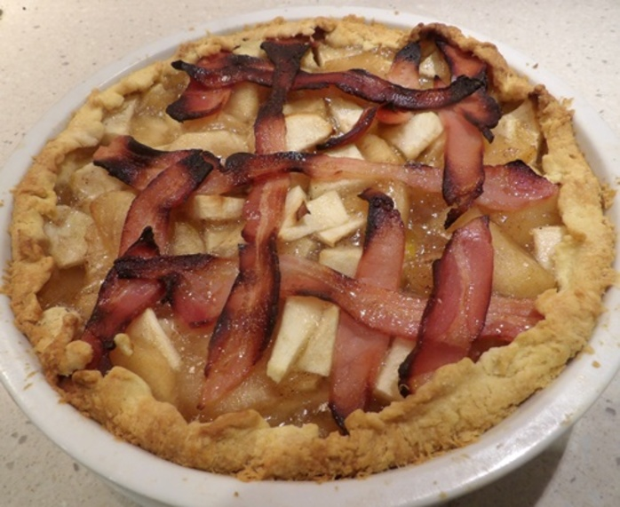 home,made,apple,pie,with,bacon