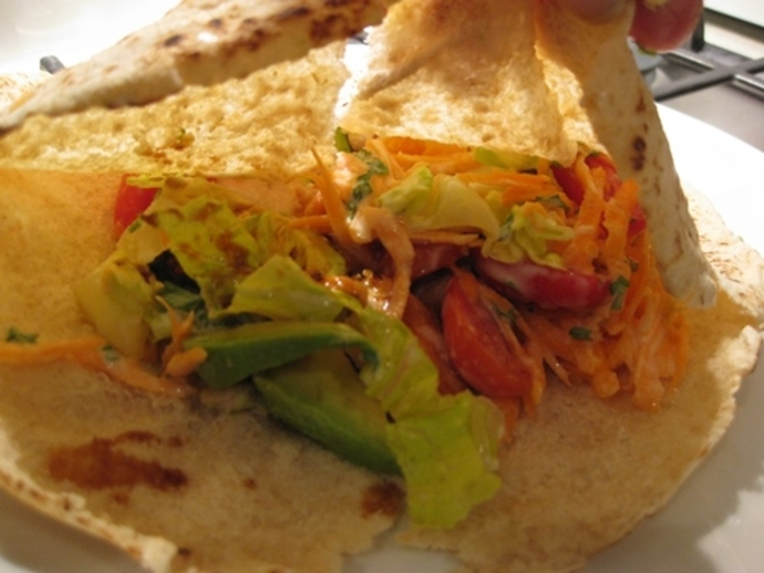 honeyed,chicken, wrapped,in,pitta