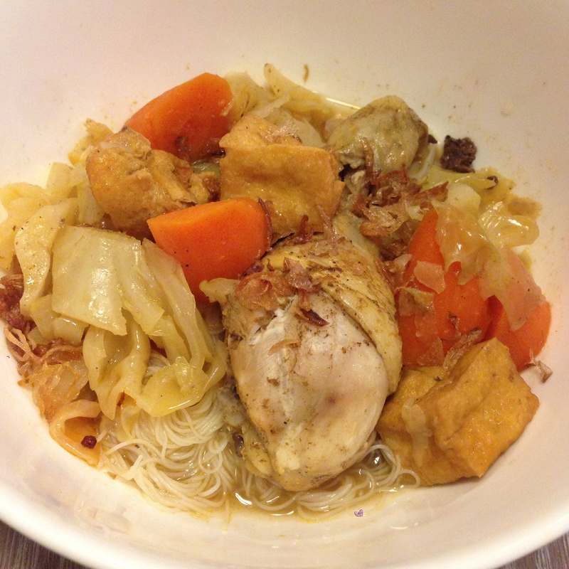 Chicken & Vegetable Curry with Rice Vermicelli