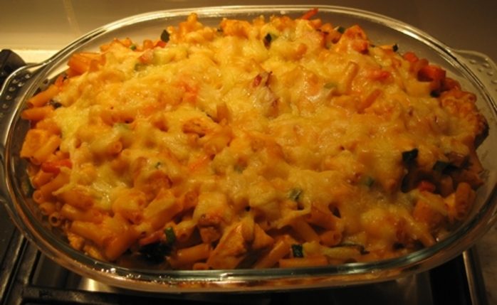 macaroni,with,chicken,bacon,and,vegetables