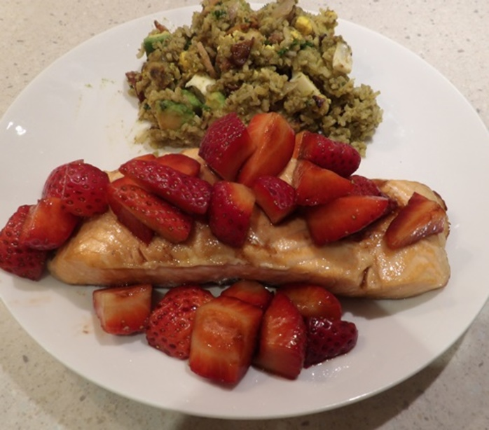 maple,salmon,with,strawberries,and,avocado,kedgeree