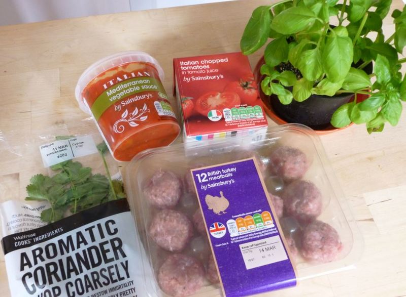 meatballs tomato sauce Belgian food cooking