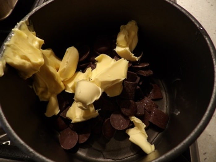 melting,chocolate,butter,for,macadamia,white,chocolate,brownies