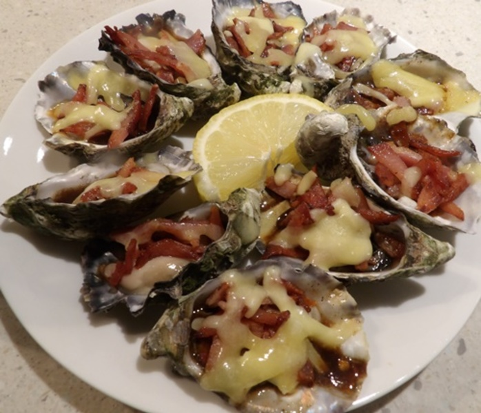oysters,kilpatrick,with,cheese