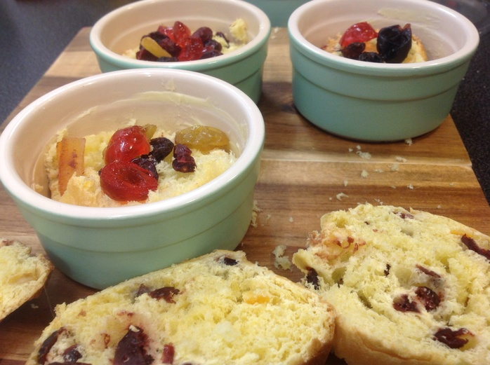 Panettone bread and butter pudding, ramekins