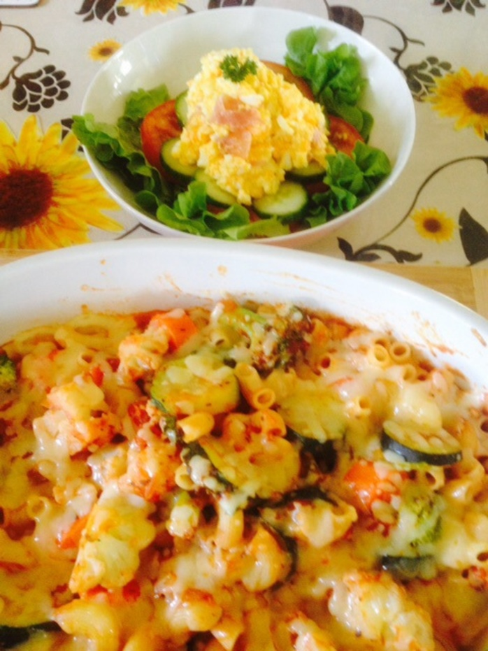 Pasta bake with egg salad
