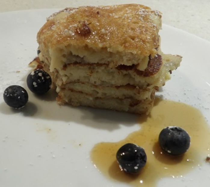 pikelets,with,white,chocolate,and,blueberries