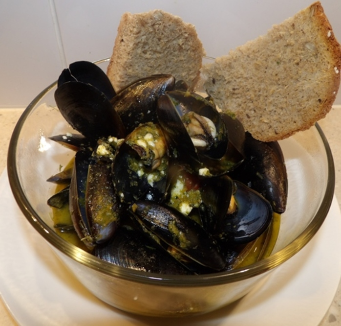 plated, mussels,with,feta,and,home,made,bread