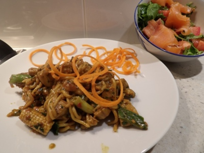 plated,peanut,butter,chicken,noodles,with,salad