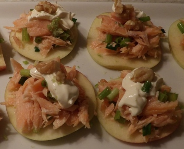 plated,salmon,on,apple,with,creme,fraiche