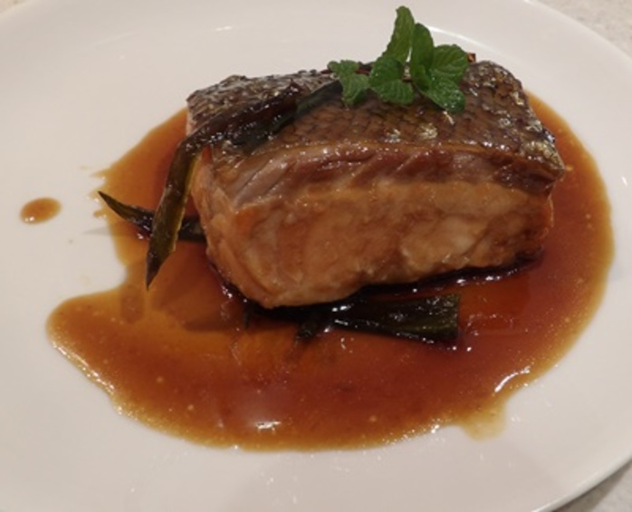 plated,salmon,with,caramel,chilli,sauce