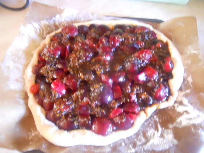plum pizza, plums, quartered, stoned